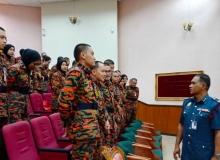 Komandan pertemuan ramah mesra bersama pelatih kadet DPA Siri 1 Sidang 3