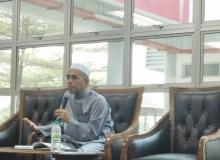 Ceramah agama disampaikan oleh Ustaz Ali Sobri